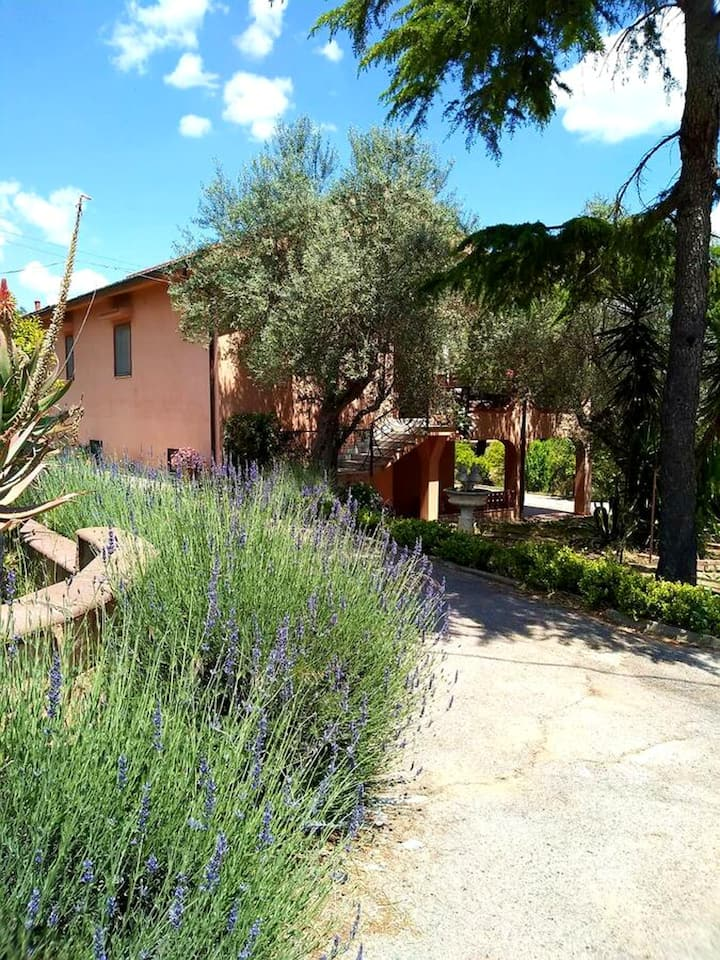 Villa with one bedroom in Caltanissetta, with wonderful city view, enclosed garden and WiFi - 60 km from the beach