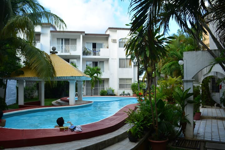 Nice comfy room 15 min from beach + pool & nature