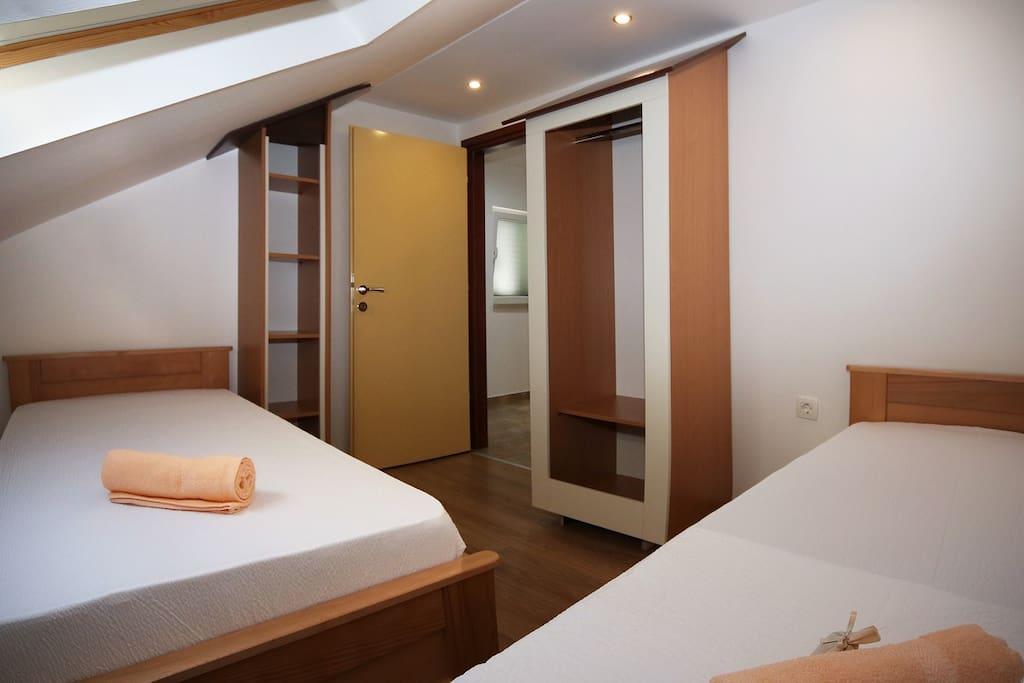 Sleepingroom - two single beds