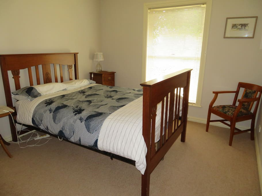 Double room (bed is double width and queen length)