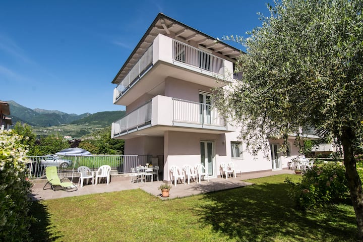 Air-Conditioned Apartment Bouganville Da Vilma with Balcony, Mountain View & Wi-Fi; Pets Allowed, Parking & Garage Available