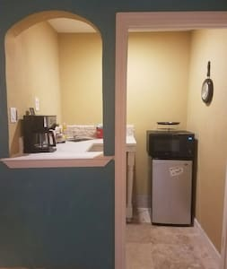 STUDIO Kitchen, 1 Bedroom, Bathroom - Alamo - Haus