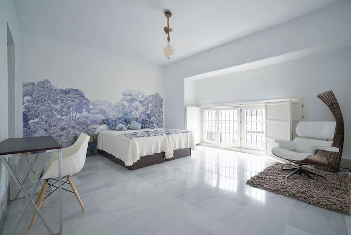 New Luxury duplex loft Sevilla Center Parking Free