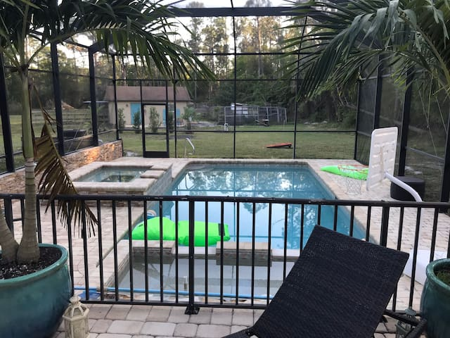 Guest house on Farm with hot tub and pool