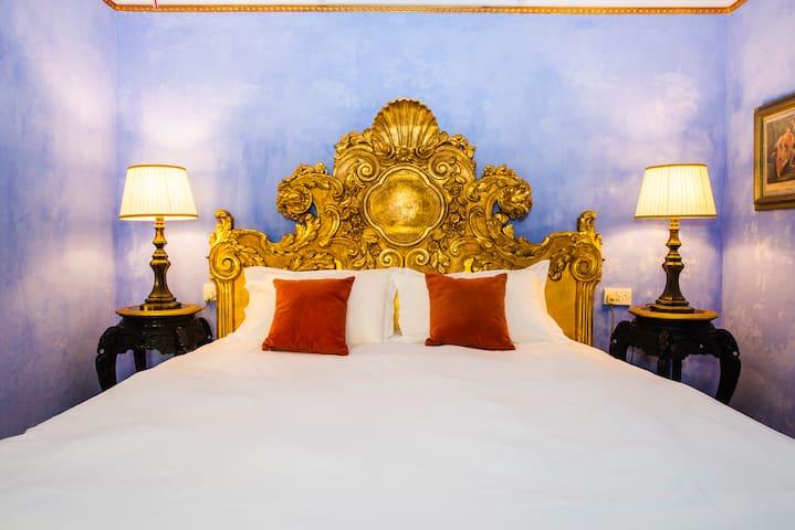 Casa Rocca Piccola - The Santiago Room