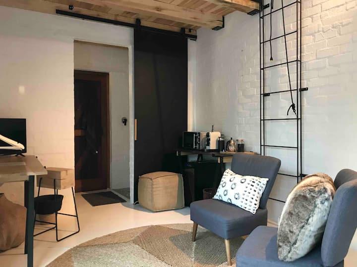 HUIJS Studio/Loft Apartment. Simple. Beautiful.