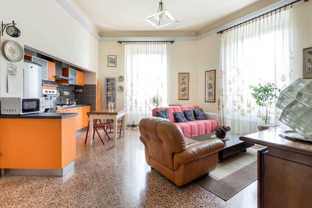 a casa di giulia e lorenzo appartamenti in affitto a firenze toscana italia. Black Bedroom Furniture Sets. Home Design Ideas