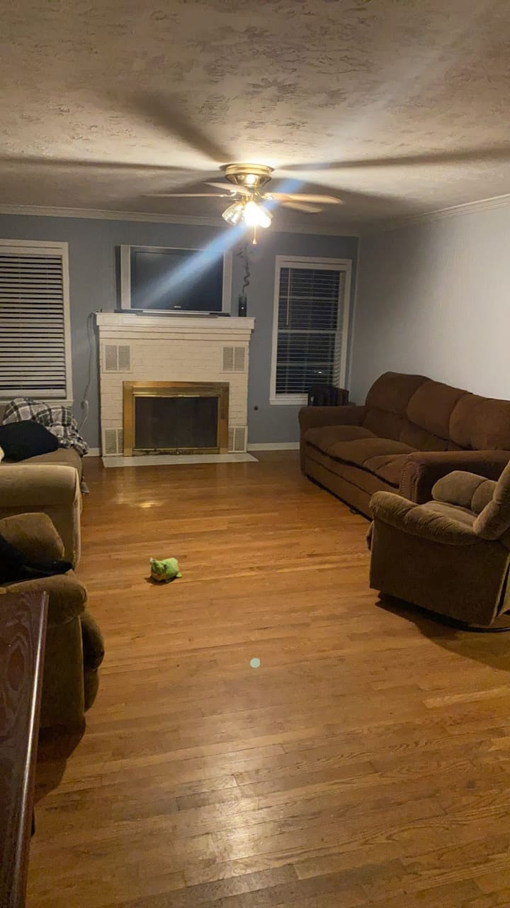 5 bed/ 3 Bath House Near A&M