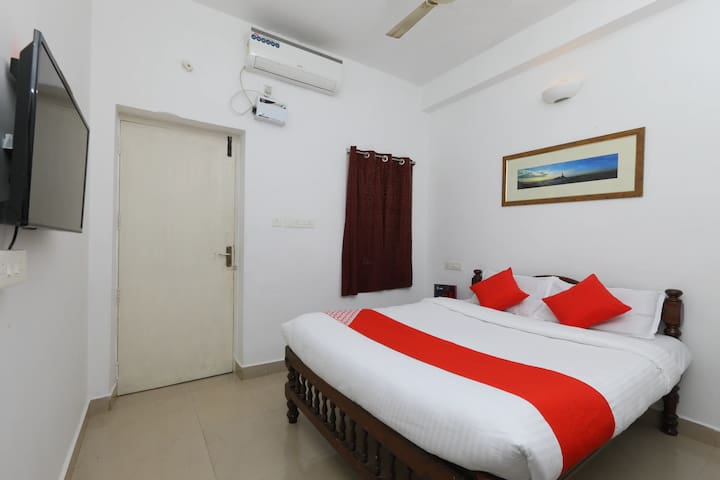 Auro mandir Residency-Studio Room in Pondicherry