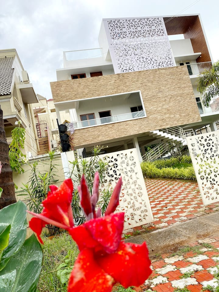 Luxury 3BHK villa @ Mysore Rent on comfort