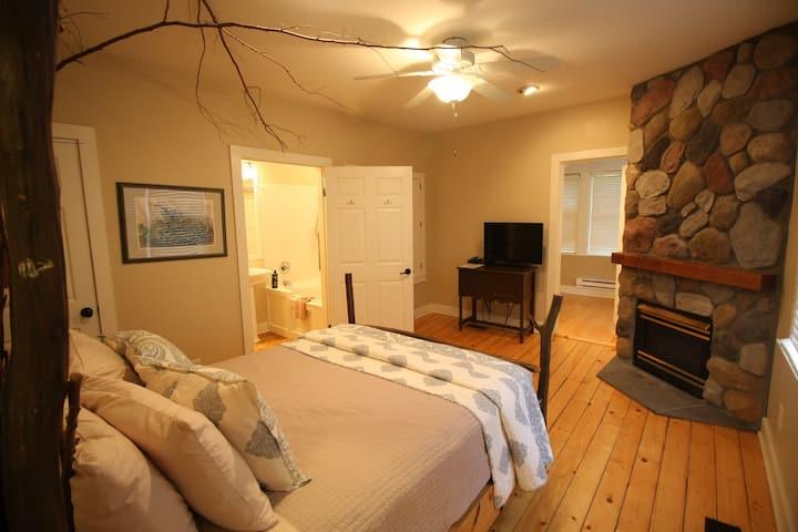 Ironwood Suite - Goldberry Woods