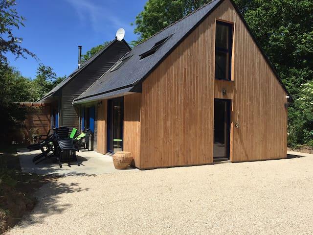 Plage 700m maison bois calme, écrin verdure, sauna - Moëlan-sur-Mer - Rumah
