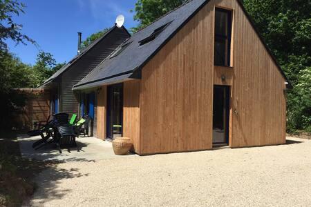 Plage 700m maison bois calme, écrin verdure, sauna - Moëlan-sur-Mer - House