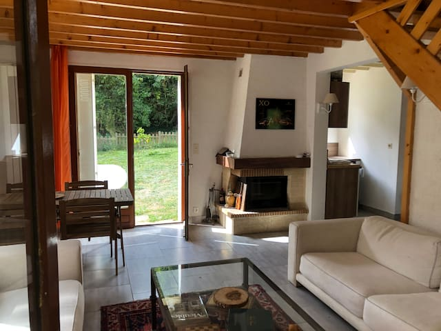 Comfy Country house 1 hour from Paris