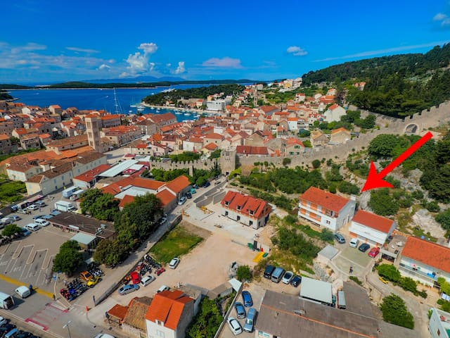 Charming apartment in the center of Hvar