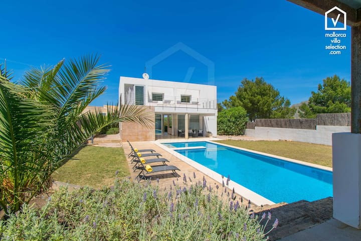 Villa MUT House for 6 with pool in Betlem