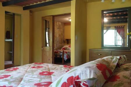 Casa Di Pietra (Room 3) - Anton Valley - Bed & Breakfast