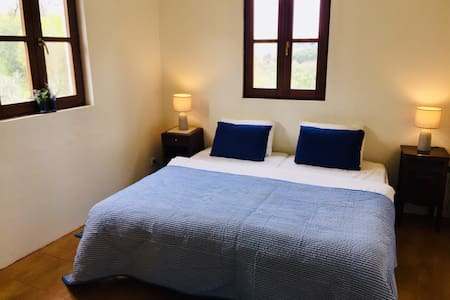 Quinta room with river beach -breakfast included!