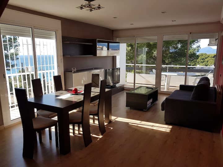 Spectacular duplex with sea views and Jacuzzi