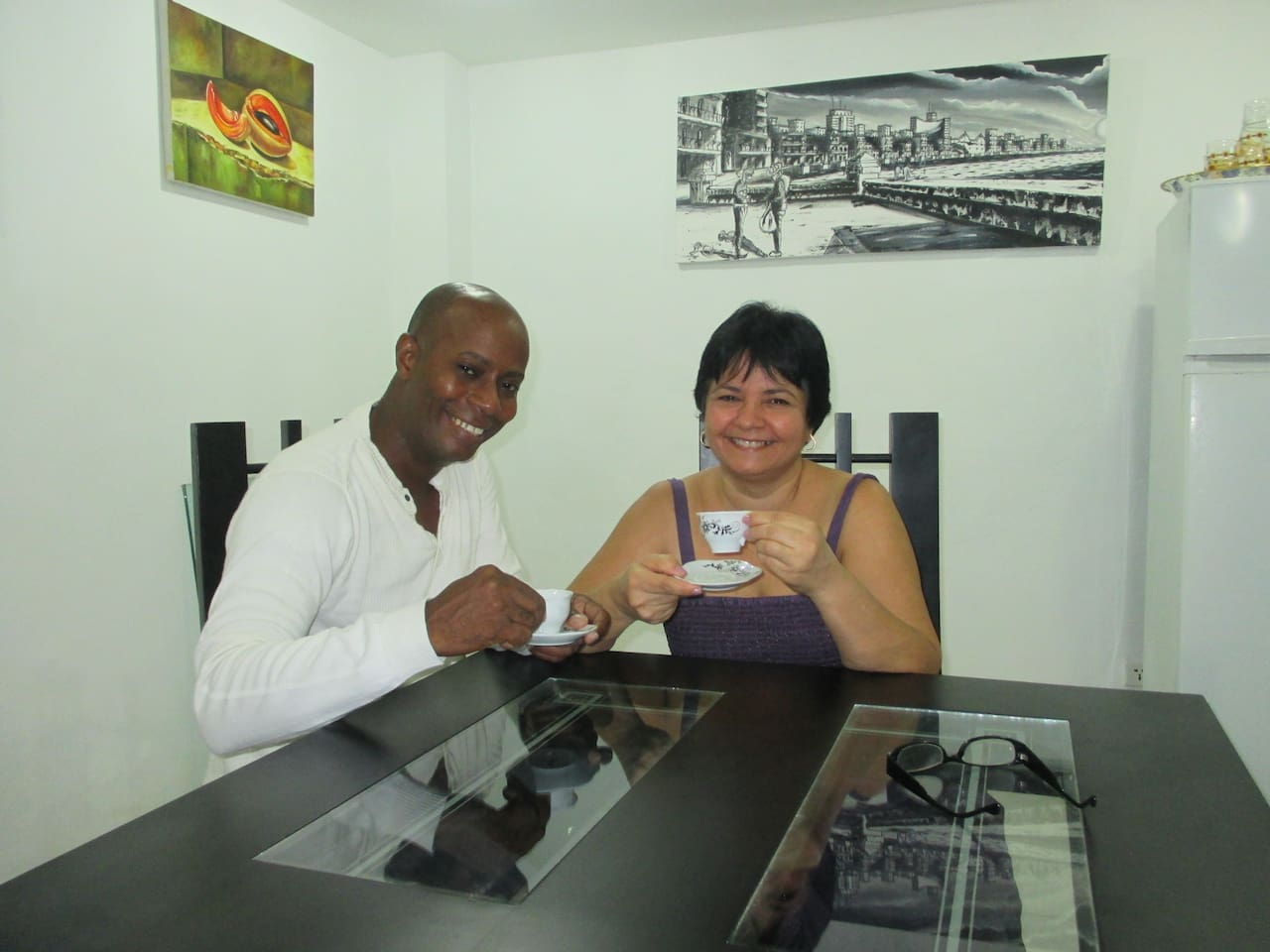 Enjoy a good coffee and the warmth of the Cuban Family in the company of your hosts Inés and Roly.