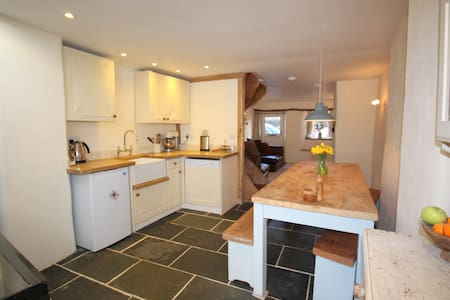 Cosy Cobb Cottage, nr Exeter - Cherry Tree Cottage - Exeter - Andere