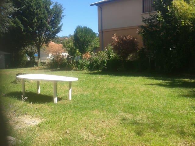 Chambre au calme à 20 minutes de Lyon - Grigny - Hus