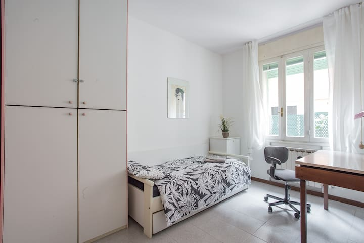 Single bedroom with additional second bed