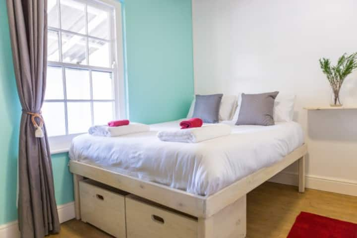 Gansbaai Boarding Lodge - Double Room