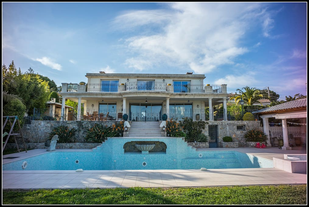 A large Villa over two floors with a massive swimming pool!