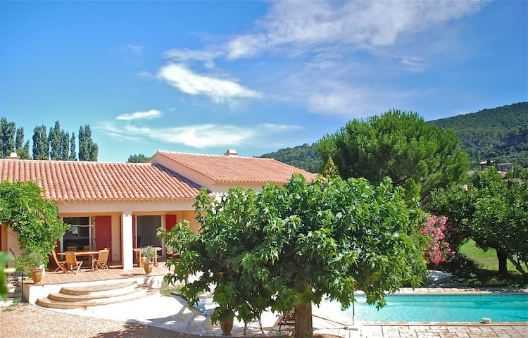 Amazing Provencal house in Aups