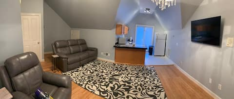Full apartment, quiet, clean, and comfortable!