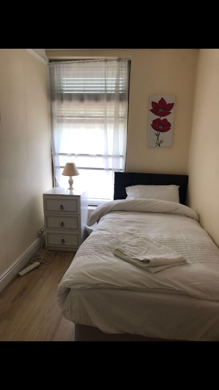 Comfy single room 5a