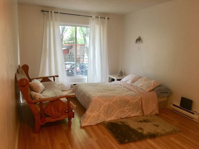 Fully Equipped Studio in Downtown Montreal