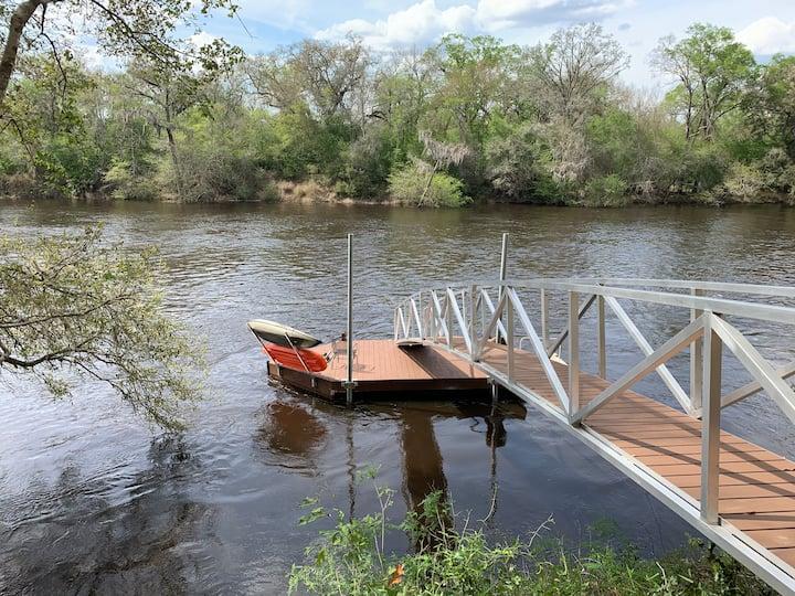 The Suwannee River Hide Away