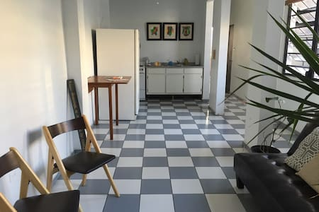 BEST Location! Spacious Apartment - Appartement