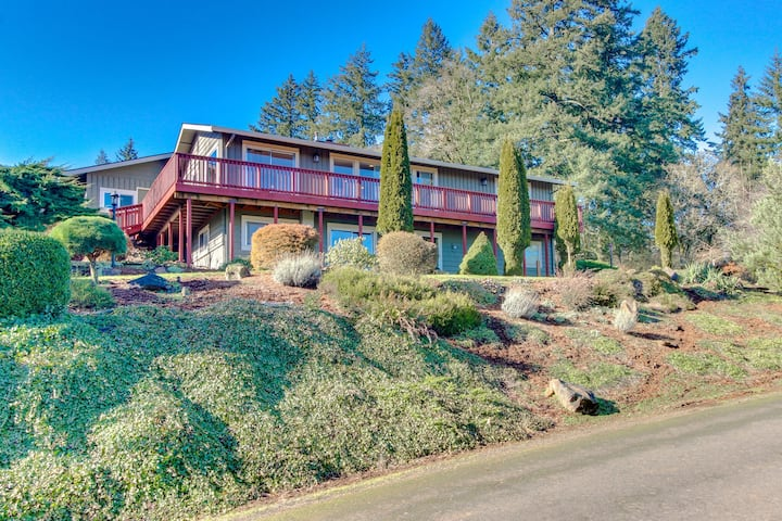 Ideal wine country retreat with valley views & gorgeous prime location