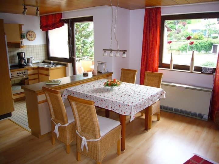 Ferienwohnung mit 2 Balkonen und Pkw-Stellplatz