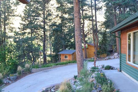 Modern Mountain Cabin by Big Thompson River, Drake - Estes Park - 통나무집