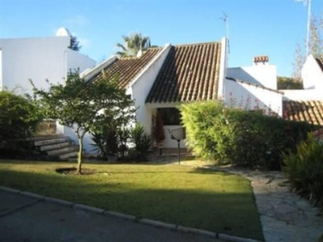 3 Bedroom Villa with huge pool, in Sotogrande