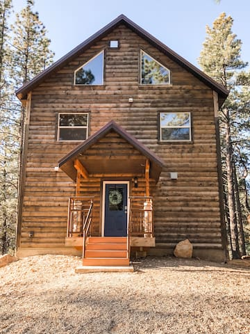 Lil' Cascade Lodge
