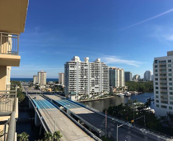 Modern Luxury Apt w Water Views - Walk to Beach!