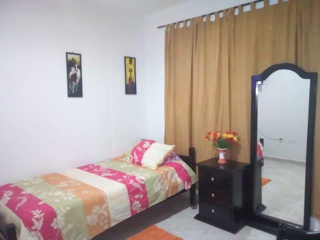 habitacion confortable cartagena 2