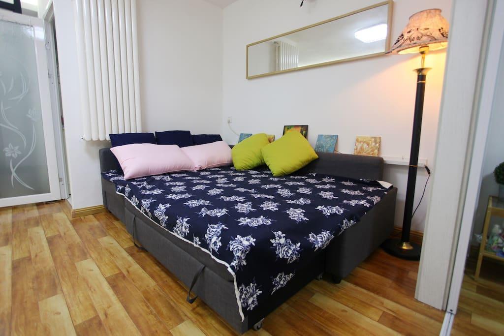 客厅沙发床