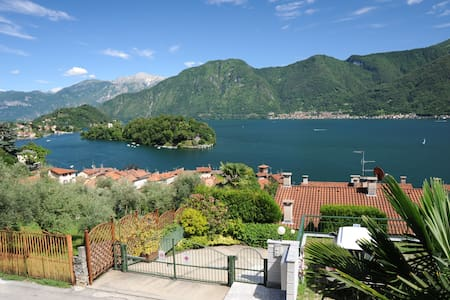 Wonderful view island Lake Como