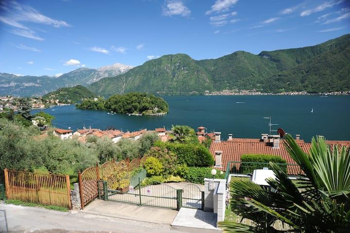Wonderful view island Lake Como