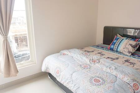"""#Private room """"calm & Homey -7 mins to Airport"""""""