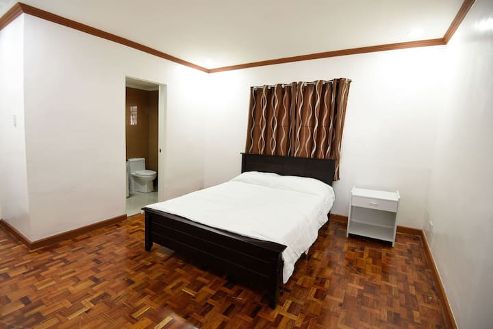 Room 8 Green Valley Vacation Home Baguio City