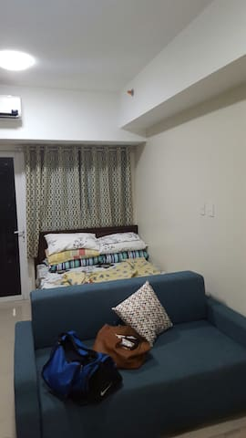 Fully furnished unit very accessible. - Manila - Apartament
