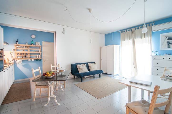 One Bedroom Flat in Giardini Naxos - Giardini Naxos - Apartemen