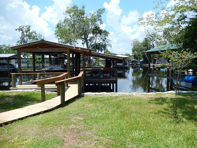 Waterfront Modern Cottage with boat lift and dock